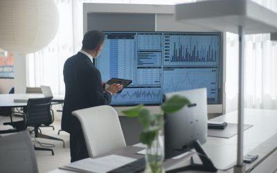 Economia (22/10): mercados do exterior se encaminham para terceiro avanço semanal enquanto risco fiscal segue dando a tônica no mercado doméstico